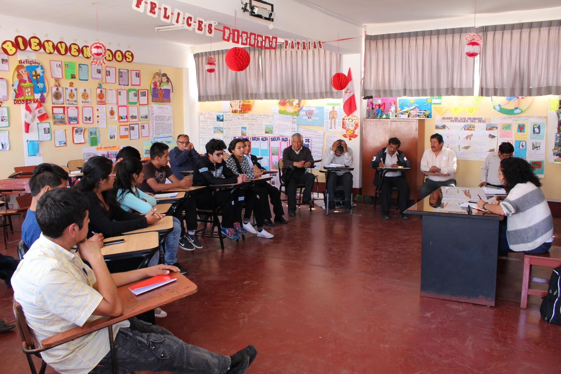 """Taller de Fortalecimiento de Capacidades """"Emprendimiento Rural"""" para el CETPRO Antonio Raimondi de Huari"""