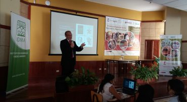 """Región Lima: Lima: IV Curso de Actualización Docente: """"Modelos de Negocio para el Desarrollo Sostenible: Biocomercio y Negocios Inclusivos"""""""